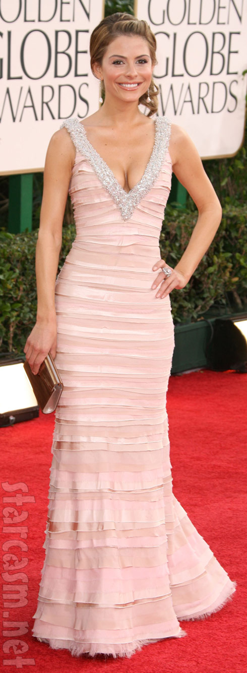 Maria Menounos wears a sexy dress on the red carpet at the 2011 Golden Globes