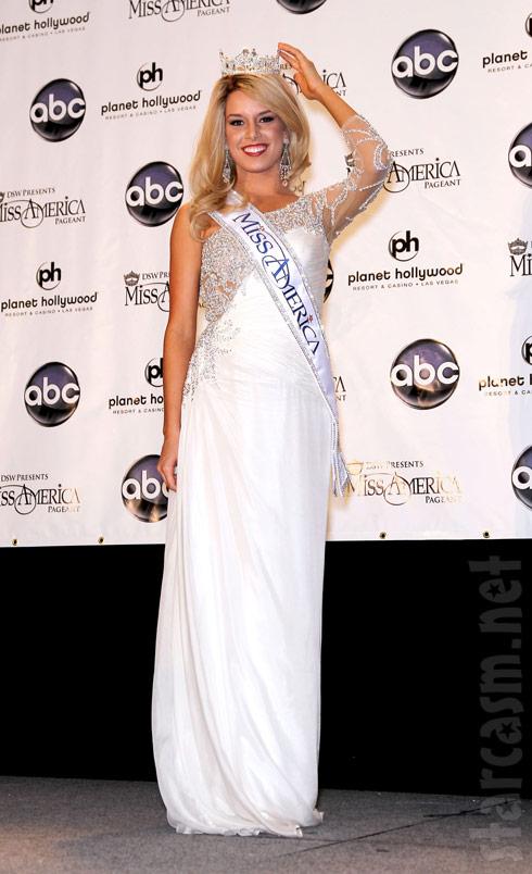 Miss Nebraska Teresa Scanlan just after being corwned Miss America 2011