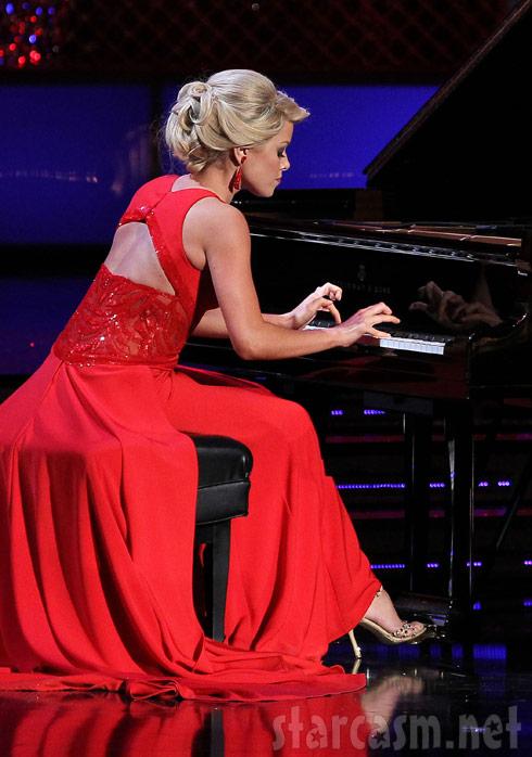 2011 Miss America Teresa Scanlan performing White Water Chopped Sticks on piano