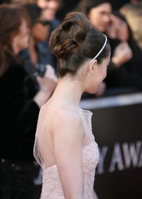 Hailee Steinfeld hair photo from the 83rd Academy Awards