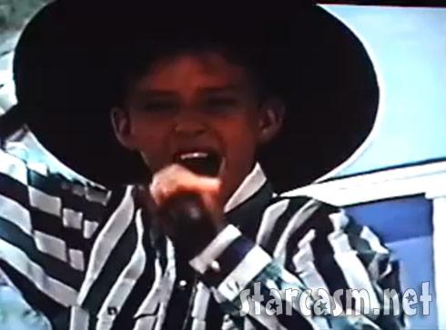 Justin Randall Timberlake sings Garth Brooks