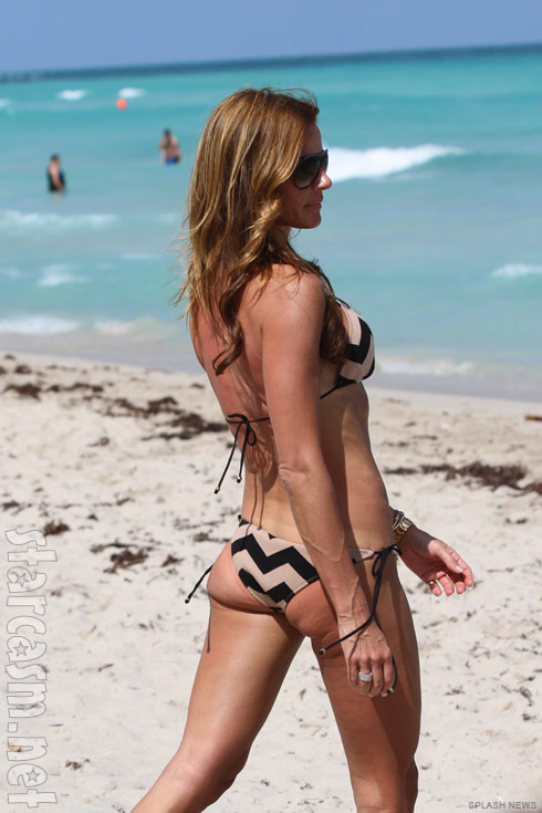 Kelly Bensimon has a little junk in the trunk at the right angle
