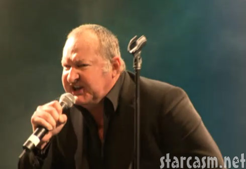 Randy Quaid perofrms his sefl penned paranoia song Star Whackers in Vancouver