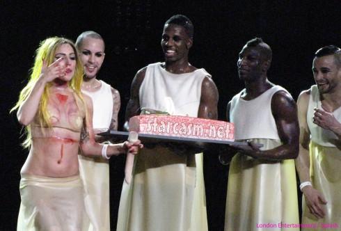 Lady Gaga cake serenade
