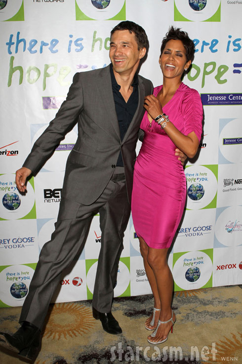 Olivier Martinez and Halle Berry have fun on the red carpet at the 2011 Silver Rose Awards Gala