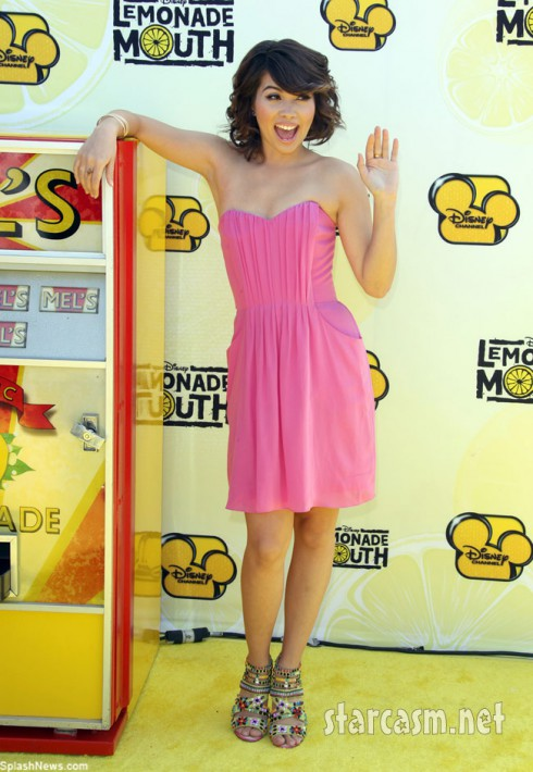 Hayley Kiyoko goes pink for the first time at the Lemonade Mouth premiere