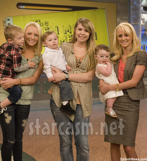 Teen Moms Maci Bookout Kailyn Lowry Leah Messer on the set of Dr. Oz.