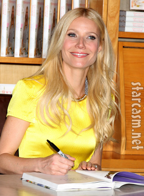 Gwyneth Paltrow signs her cook book