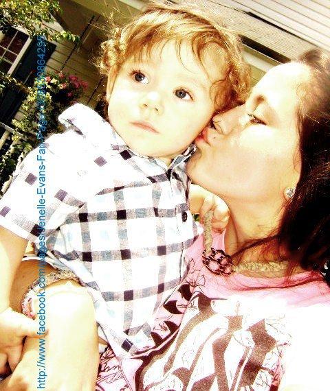 Teen Mom 2 Jenelle Evans kisses son Jace