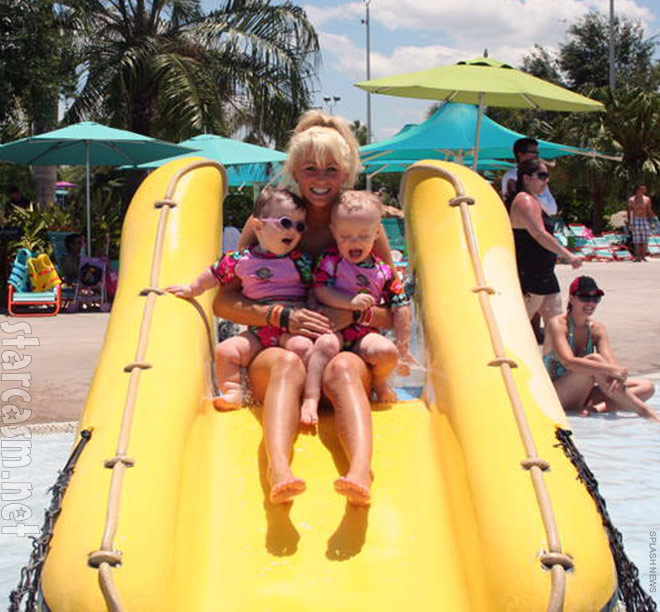 Teen Mom 2 Leah MEsser at a water park in Orlando with her daughters