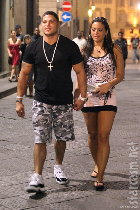 Sammi Sweetheart Giancola and Ronnie Ortiz-Magro hold hands in Italy