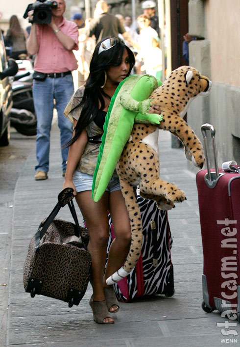 Snooki arrives in Florence Italy