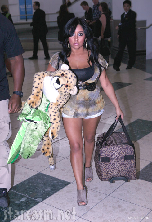 Snooki arrives at the Newark airport before leaving for Florence Italy for Jersey Shore Season 4