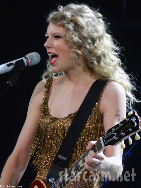 Taylor Swift performs at her Speak Now Help Now dress rehearsal benefit