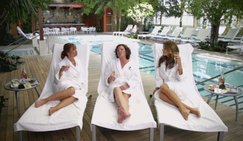 Jill Zarin and Kelly Bensimon costar in the Countess LuAnn's new music video
