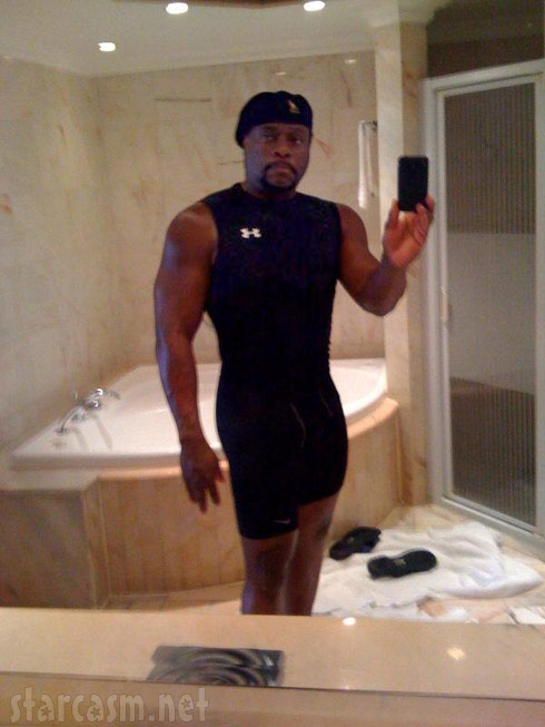 Sexy cell phone picture of Eddie Long allegedly sent to young men in his congregation