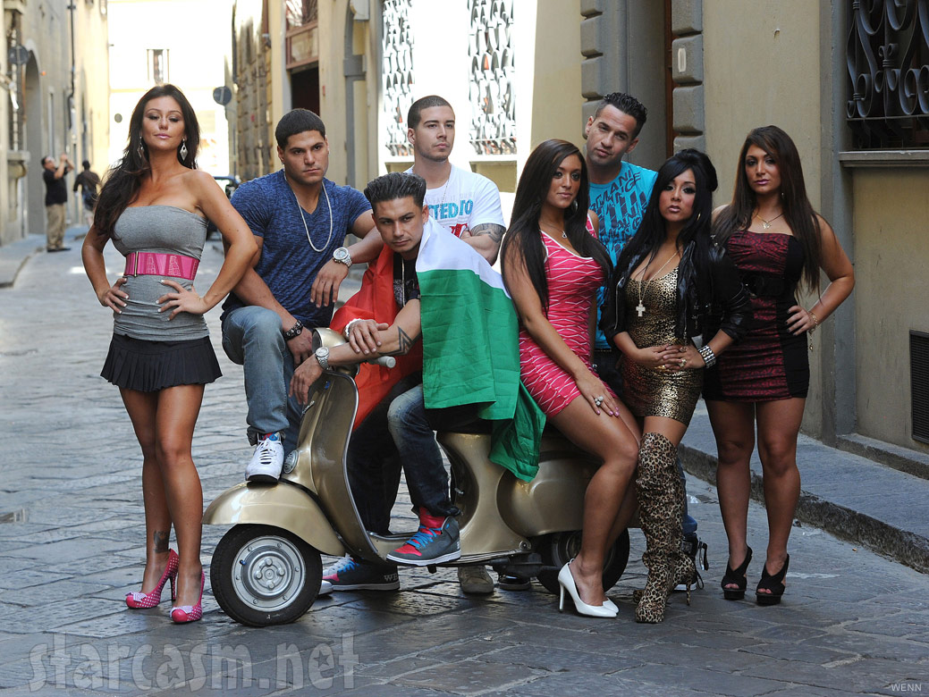 Official cast photo of Jersey Shore from Season 4 in Florence Italy
