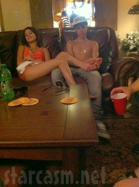 Selan Gomez gets a foot rub from boyfriend Justin Bieber