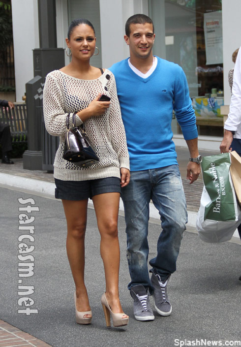 American Idol's Pia Toscano and DWTS Mark ballas shopping in Hollywood