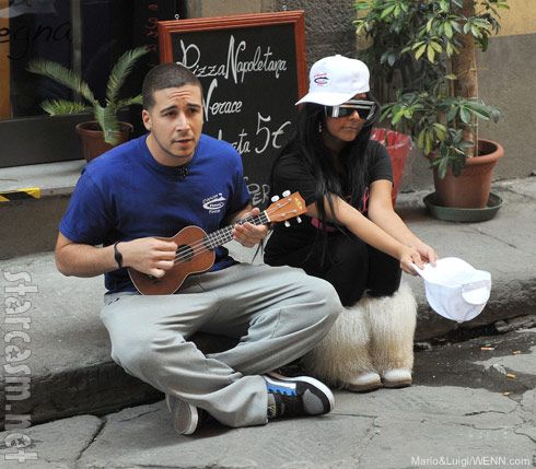 Vinny and Snooki film Jersey Shore Season 4 in Florence Italy