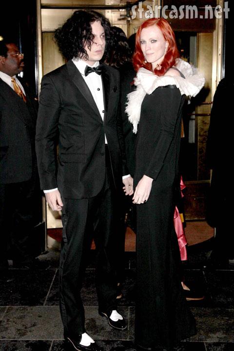 Jack White and Karen Elson pale