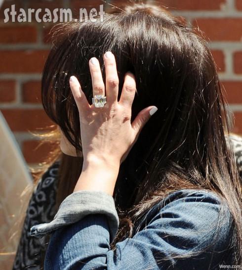 Giant ring Kim Kardashian