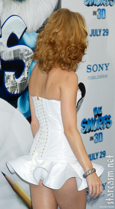 Back side of Katy Perry's Smurfette dress at The Smurfs premiere