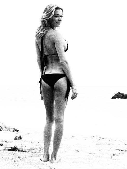 LeAnn Rimes shows off her curves in this black and white bikini picture