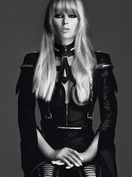 Paris Hilton's fierce V look