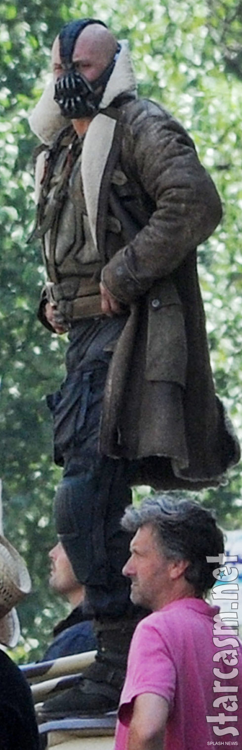 Zoomed view of Tom Hardy in his Bane costume on set of The Dark Knight Rises