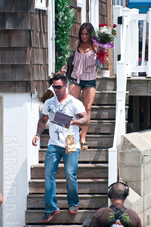 Jersey Shore's JWoww and her boyfriend Roger Matthews depart the Seaside Heights beach house