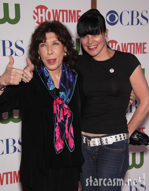 Legend Lily Tomlin poses with Pauley Perrette of NCIS