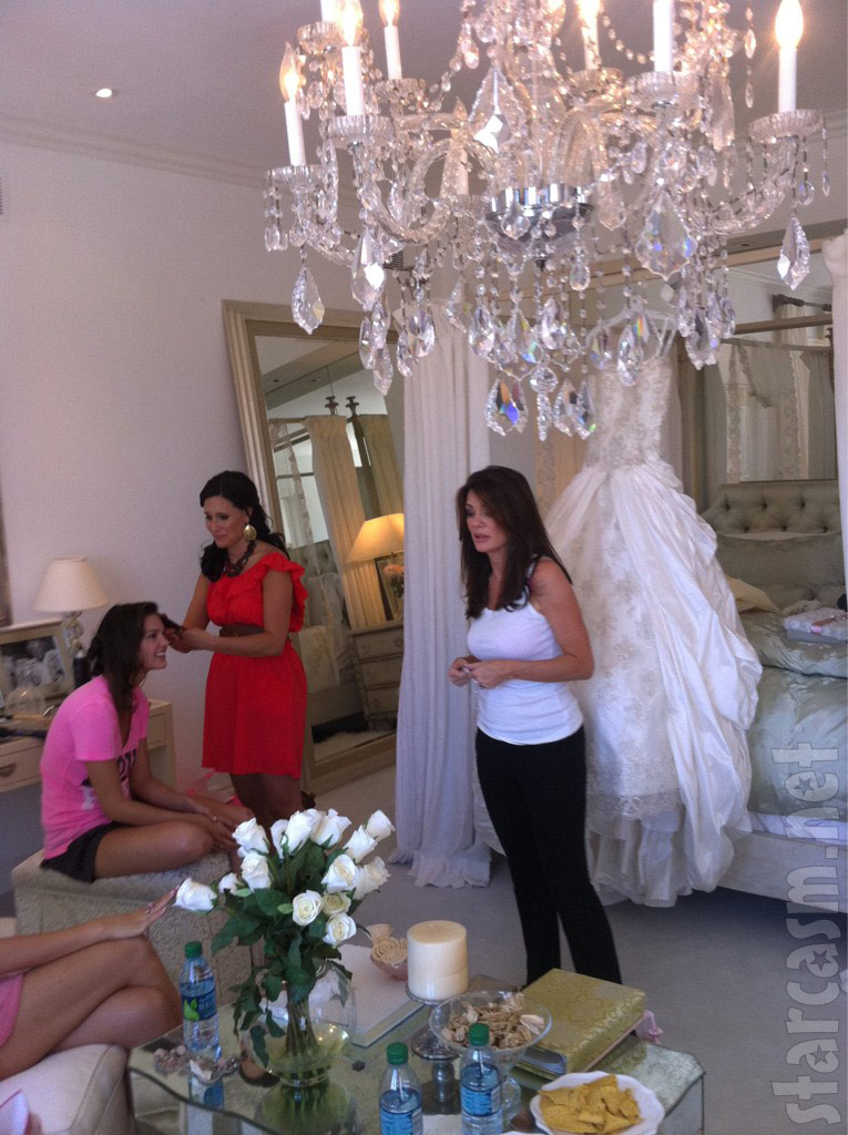 Lisa Vanderpump with her daughter Pandora Vanderpump-Todd's wedding dress
