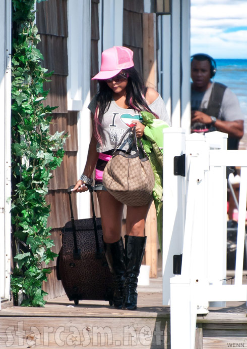 Snooki departs the Seaside Heights Beach House after Jersey Shore Season 5 finished