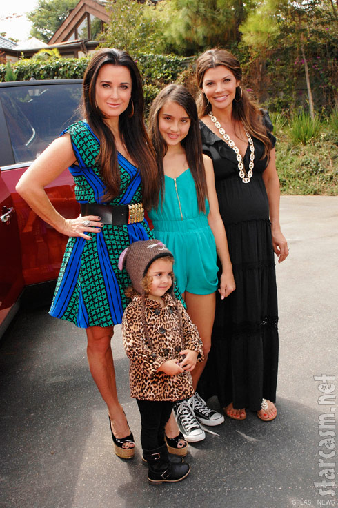 Photo Rhobh S Kyle Richards With Daughters Portia Umansky