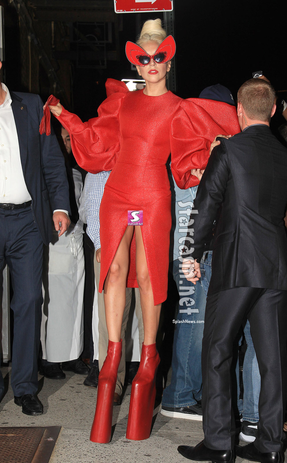 Lady Gaga exposed her pierced Vagina for Vanity Fair shoot