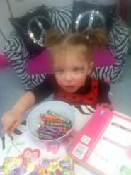 Teen Mom 2 Chelsea Houska's daughter Aubree colors in her ladybug Halloween costume