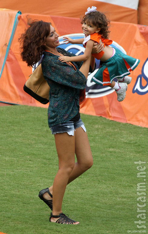 Teen Mom Farrah Abraham plays with daughter Sophia t a Miami Dolphins game