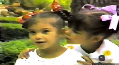 Childhood photo of Kim KArdashian and sister Kourtney Kardashian