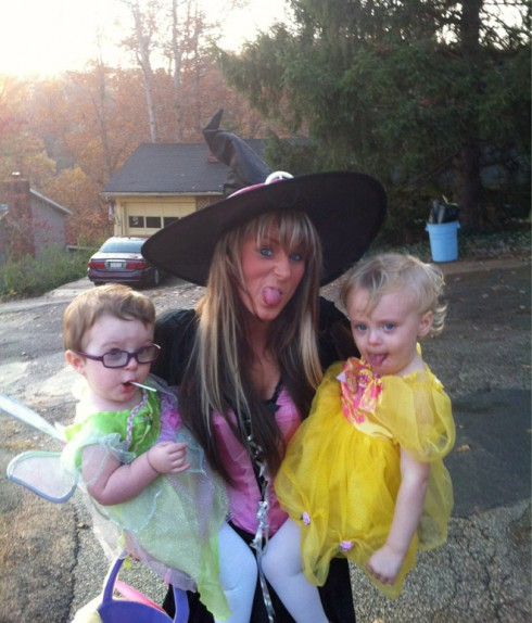 Teen Mom Leah Messer Aleeah and Aliannah in their 2011 Halloween costumes