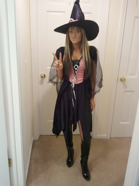 Teen Mom Leah Messer in her with Halloween costume in 2011