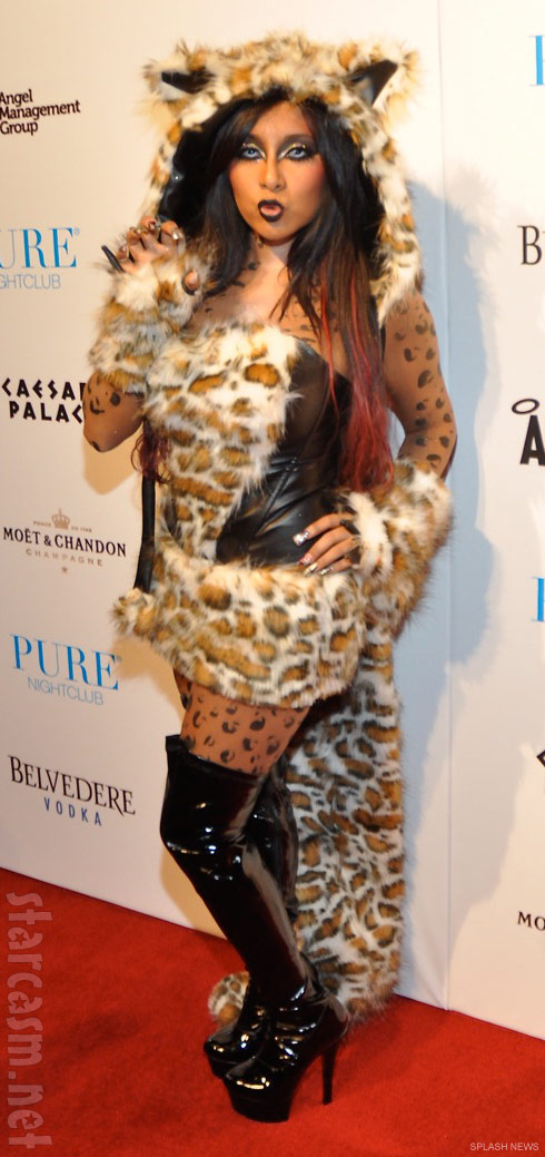 Snooki's leopard Halloween costume at Pure 2011