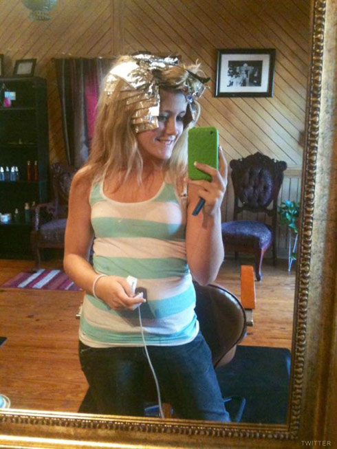Teen Mom Jenelle Evans gets her hair dyed blond