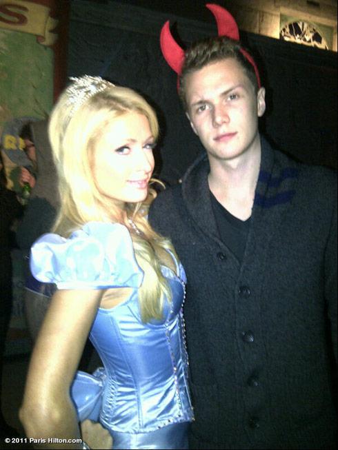 Paris Hilton poses with brother Barron Hilton at 2011 Halloween Horror Nights
