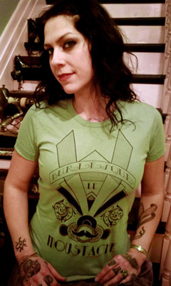 American Pickers Danielle Colby-Cushman Burlesque le Moustache t-shirt green