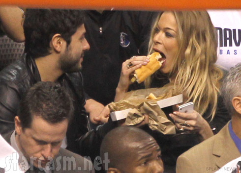 LeAnn Rimes and a mystery man at the Dallas Mavericks game January 27 2012