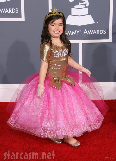 Photos Sophia Grace And Rosie Walk The Grammys Red Carpet