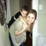 Kailyn Lowry carrying son Isaac after the Teen Mom 2 Season 3 Reunion show