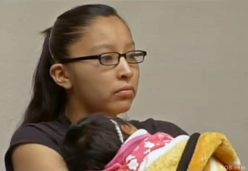 Pregnant teen Shantelle Hicks sues after being kicked out ...