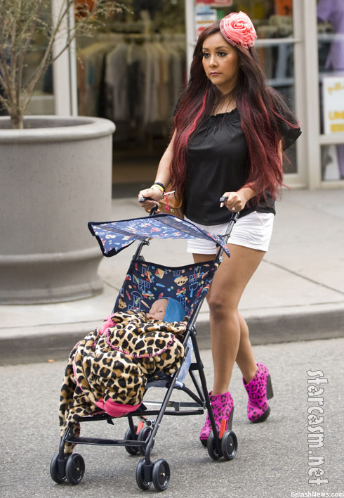 Photos Snooki Practices Being A Mom With A Fake Baby